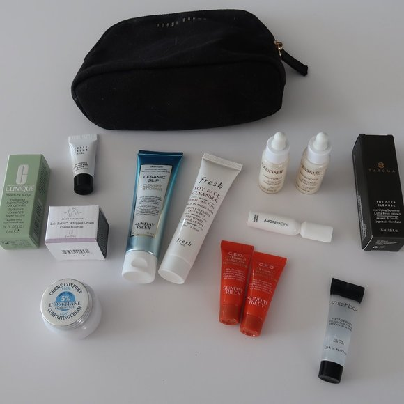 Bobbi Brown Makeup Bag w. Deluxe Skincare Samples